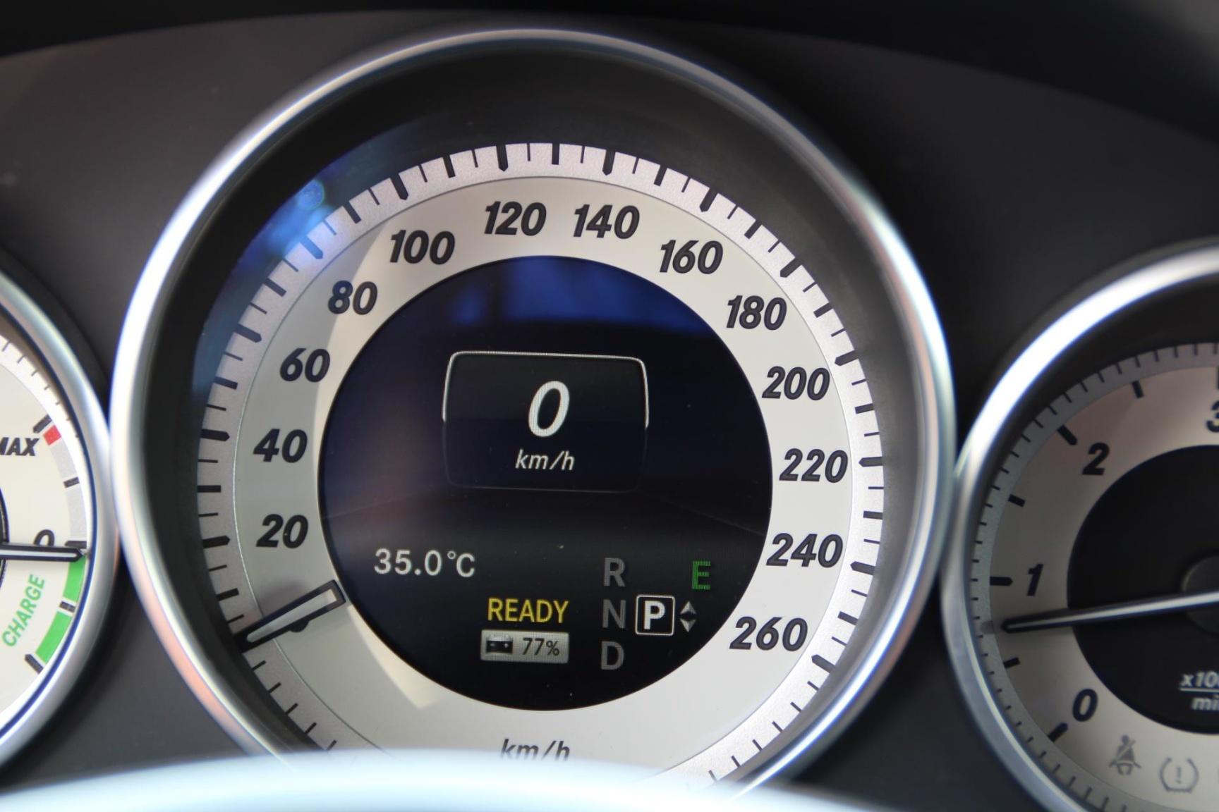 Mercedes-Benz-E-Klasse-11