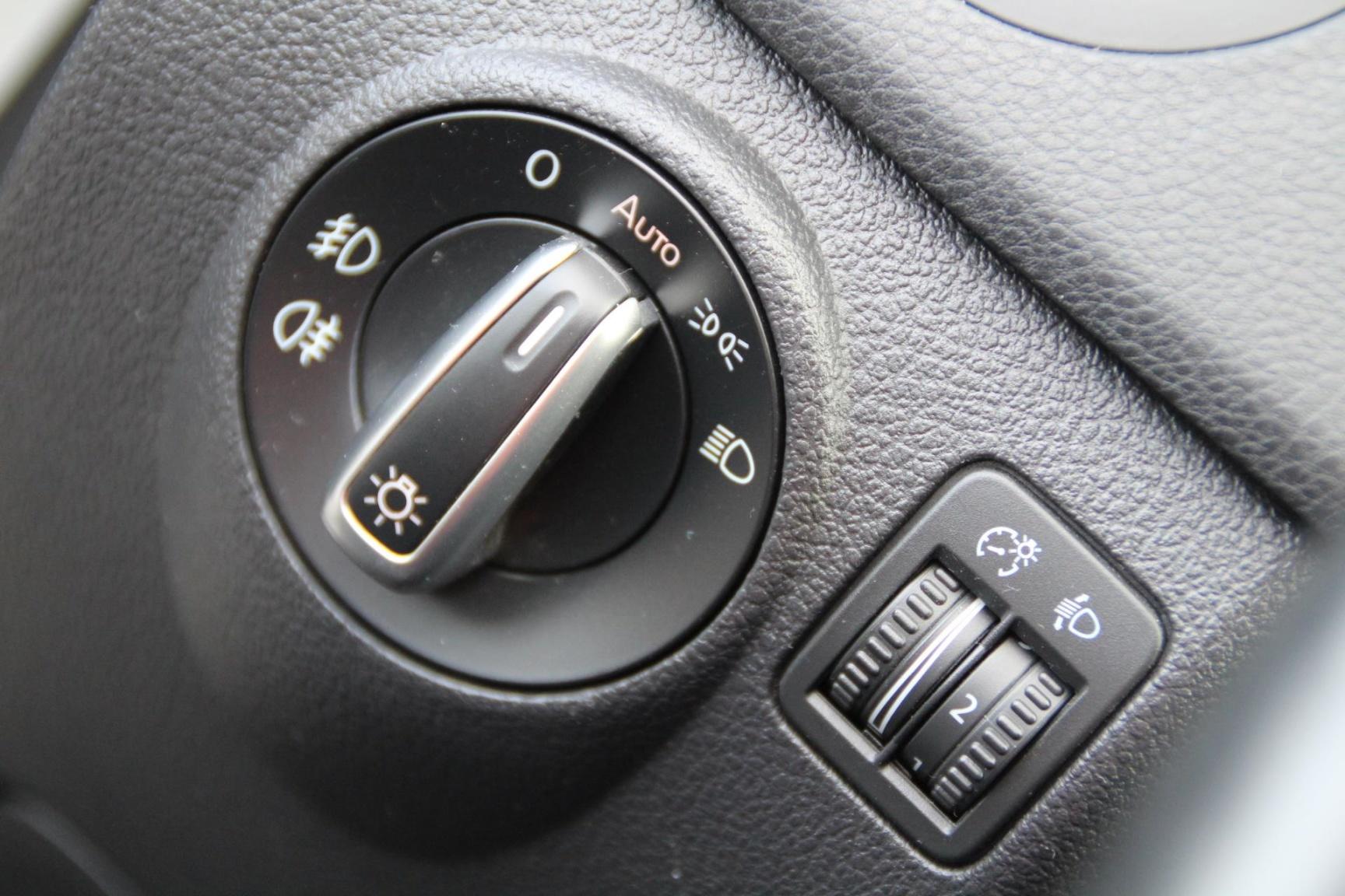 Volkswagen-Golf Plus-11