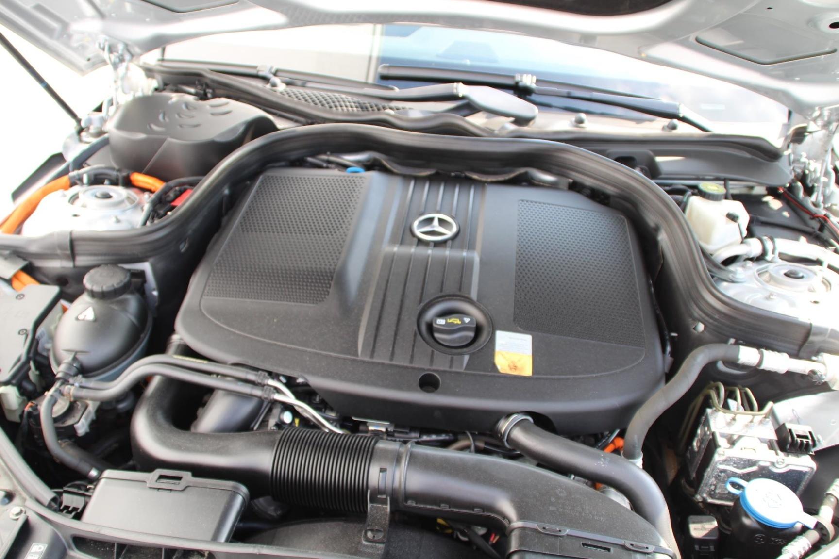 Mercedes-Benz-E-Klasse-17